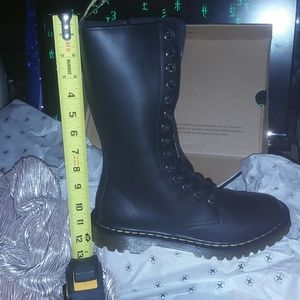 dr. martens 14 EYED SOFT LEATHER COMBATS! BNIB!